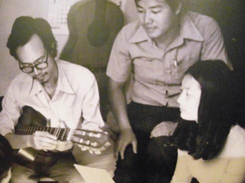 nhạc sĩ thanh tùng - và trịnh công sơn - elle vietnam