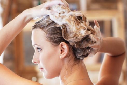 Bí quyết phục hồi tóc hư tổn sau tẩy, nhuộm - ELLE Việt Nam (1)