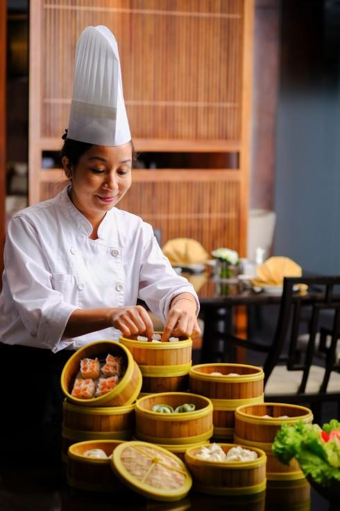 Bếp trưởng Dung áp dụng kỹ thuật nấu nướng mới sẽ mang tới những món Dim Sum ngon hơn, tinh tế và bổ dưỡng hơn