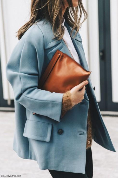 Các màu trung tính lạnh khi được kết hợp với phụ kiện mang màu sắc nổi bật như cam đất/cam chói và hồng tươi sẽ tạo vẻ ngoài hiện đại và tràn đầy sức sống cho người mặc.