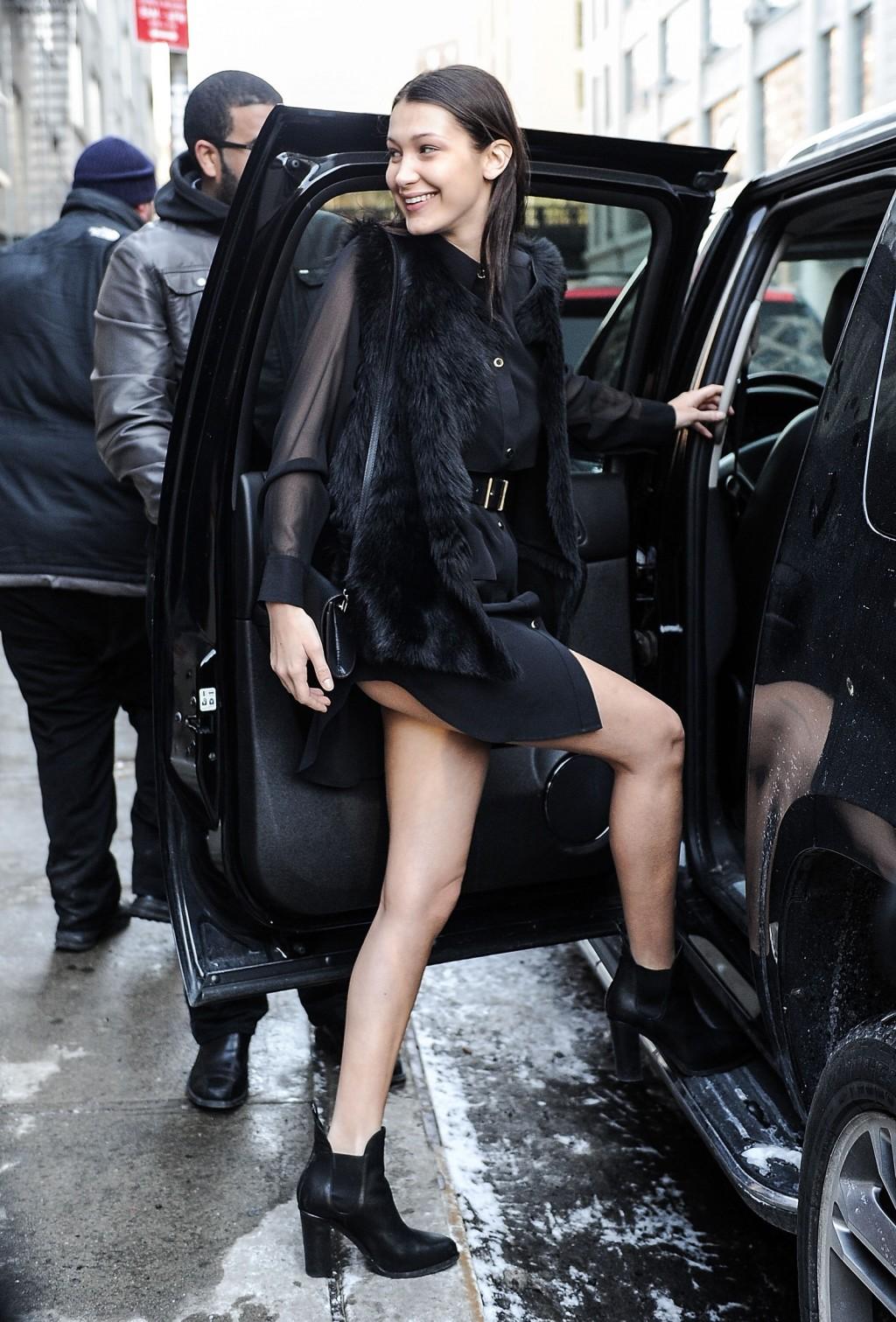 Đây là một trong những street style thu hút nhất của cô.