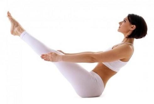 5 động tác Yoga giảm mỡ bụng sau sinh - ELLE Việt Nam (2)