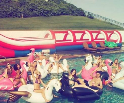 Chloë Grace Moretz tu choi tham gia hoi ban than cua Taylor Swift – ellevn - 03