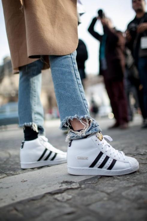 Adidas và Nike là hai thương hiệu giày thể thao xuất hiện nhiều nhất trên đường phố.