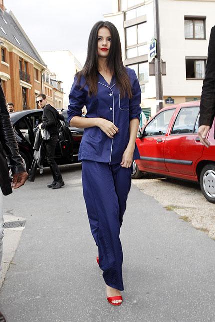 5 bí quyết mặc đẹp khi diện trang phục pyjama xuống phố elle vietnam