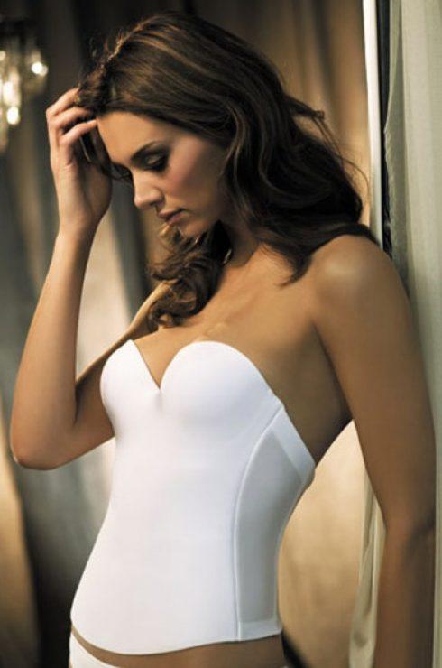 Cách chọn áo ngực cho 7 kiểu đầm quyến rũ elle vietnam 03