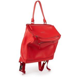 Thiết kế Pandora backpack màu đỏ gây ấn tượng và được yêu thích của Givenchy.