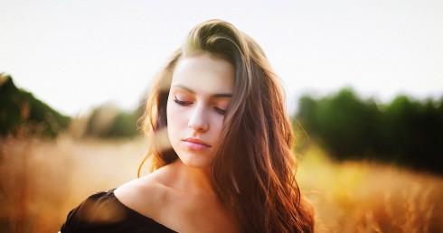 Phụ nữ trong tình yêu không nhất thiết phải luôn tận tụy mới là đáng khen