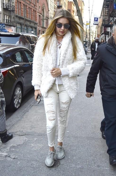 Bộ sưu tập giày giấu đế nữ nữ của người mẫu Gigi Hadi1d