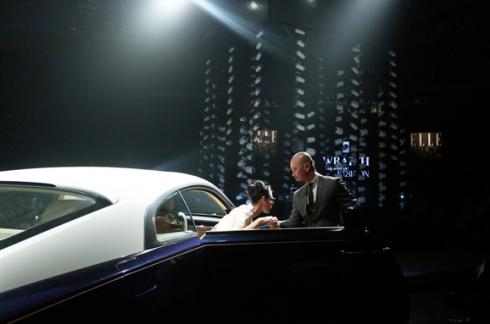 Màn trình diễn ấn tượng cùng siêu xe Rolls Royce tại ELLE Fashion Journey 2015
