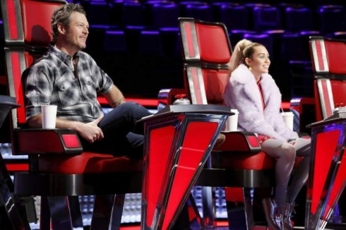 Miley Cyrus va Alicia Keys vao ghe nong The Voice – ellevn - 03