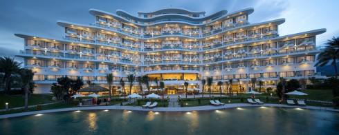 Đây là resort cao cấp 5 sao đầu tiên được xây dựng tại Vịnh Cam Ranh