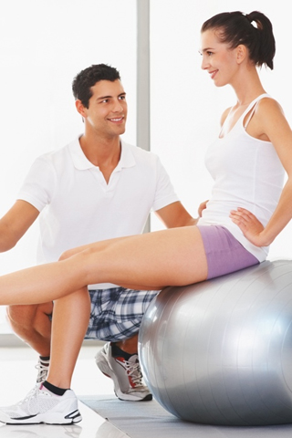 3 bài tập thể dục giảm cân với bóng