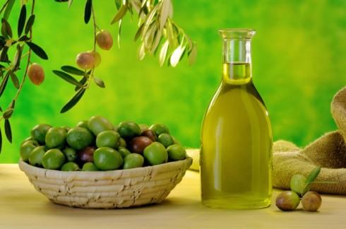 5 bí quyết làm đẹp từ dầu ô liu - ELLE Việt Nam (5)