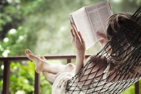 Đọc sách là một bí quyết xả stress hiệu quả