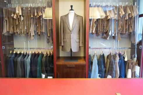 Concept cửa sổ trưng bày của cửa hàng của Kathryn tại 37 Savile Row