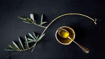 5 bí quyết làm đẹp từ dầu ô liu