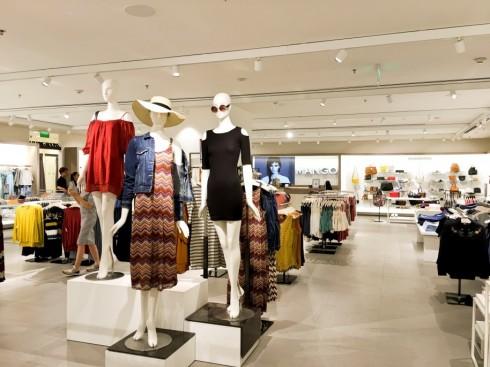 Mua sắm quần áo thời trang tại Mango Mega Store TP.HCM elle Vietnam 03