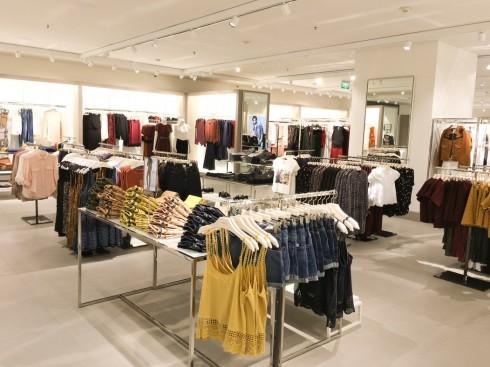 Mua sắm quần áo thời trang tại Mango Mega Store TP.HCM elle Vietnam 04