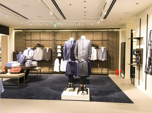Mua sắm quần áo thời trang tại Mango Mega Store TP.HCM elle Vietnam 05