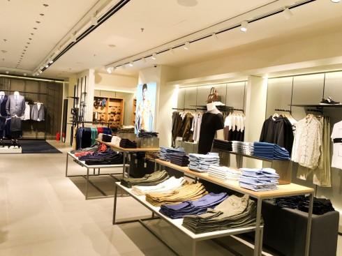 Mua sắm quần áo thời trang tại Mango Mega Store TP.HCM elle Vietnam 06