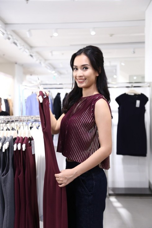 Mua sắm quần áo thời trang tại Mango Mega Store TP.HCM elle Vietnam 14