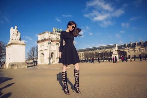 Ngọc Trinh rực rỡ tại kinh đô thời trang Paris 2015