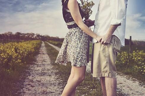 Trong tình yêu, hãy tự tôn trọng bản thân bằng cách tôn trọng đối phương và ngược lại