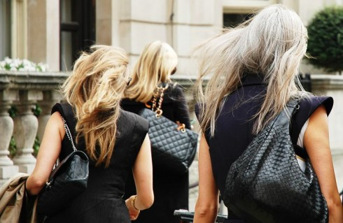 Những chiếc túi xách thời trang là người bạn đồng hành không mệt mỏi của các quý cô trên từng nẻo đường.