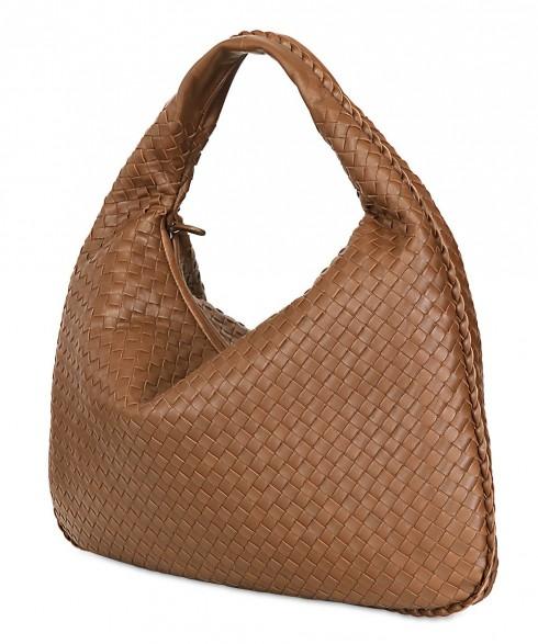 Bottega Veneta Nappa - chiếc túi xách thời trang không cần logo để nổi bật.