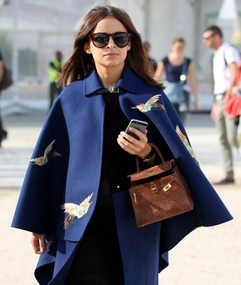 Chiếc túi Hermes Kelly trên tay của Miroslava Duma.