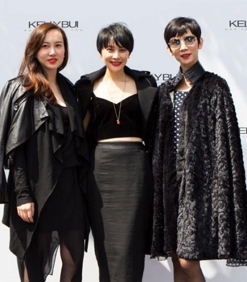 Năm nay, siêu mẫu Xuân Lan cũng là người bạn thân thiết của Kelly Bùi, tiếp tục hỗ trợ cô trong vai trò đạo diễn catwalk.