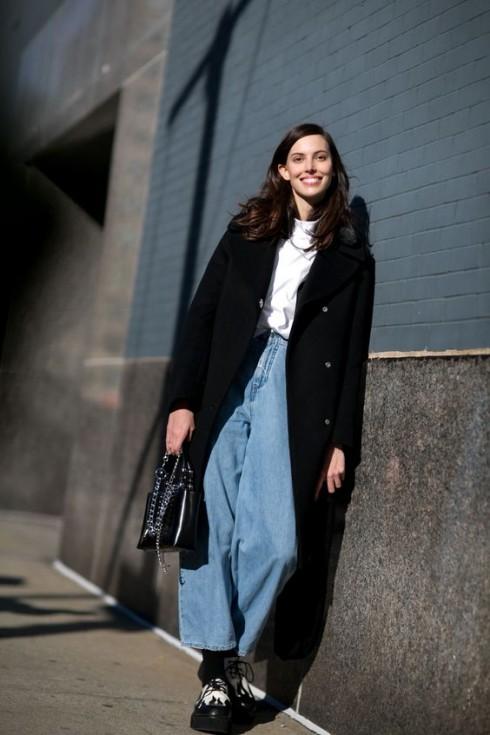 Retro jeans dễ tính trong khoản phối hợp trang phục và phụ kiện hơn bạn nghĩ.