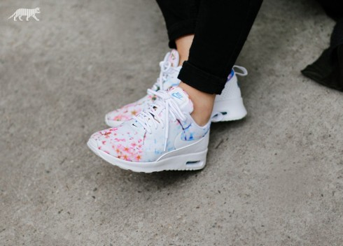 nike-wmns-air-max-thea-print-cherry-blossom-white-university-blue-white-4