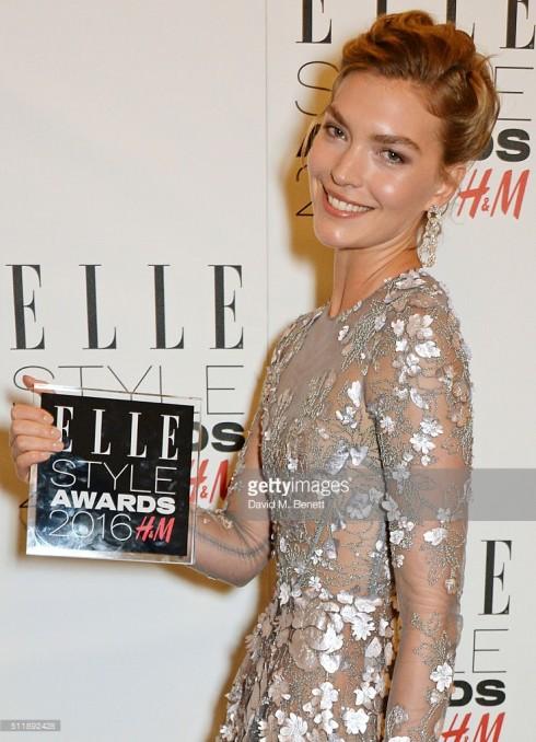 Chân dài nổi tiếng nước Mỹ Arizona Muse đạt giải the Fashion Director's Woman of the Year award