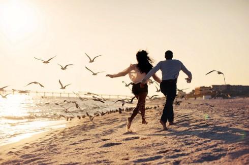 Niềm tin trong tình yêu là điều cần thời gian để xây dựng và vun đắp
