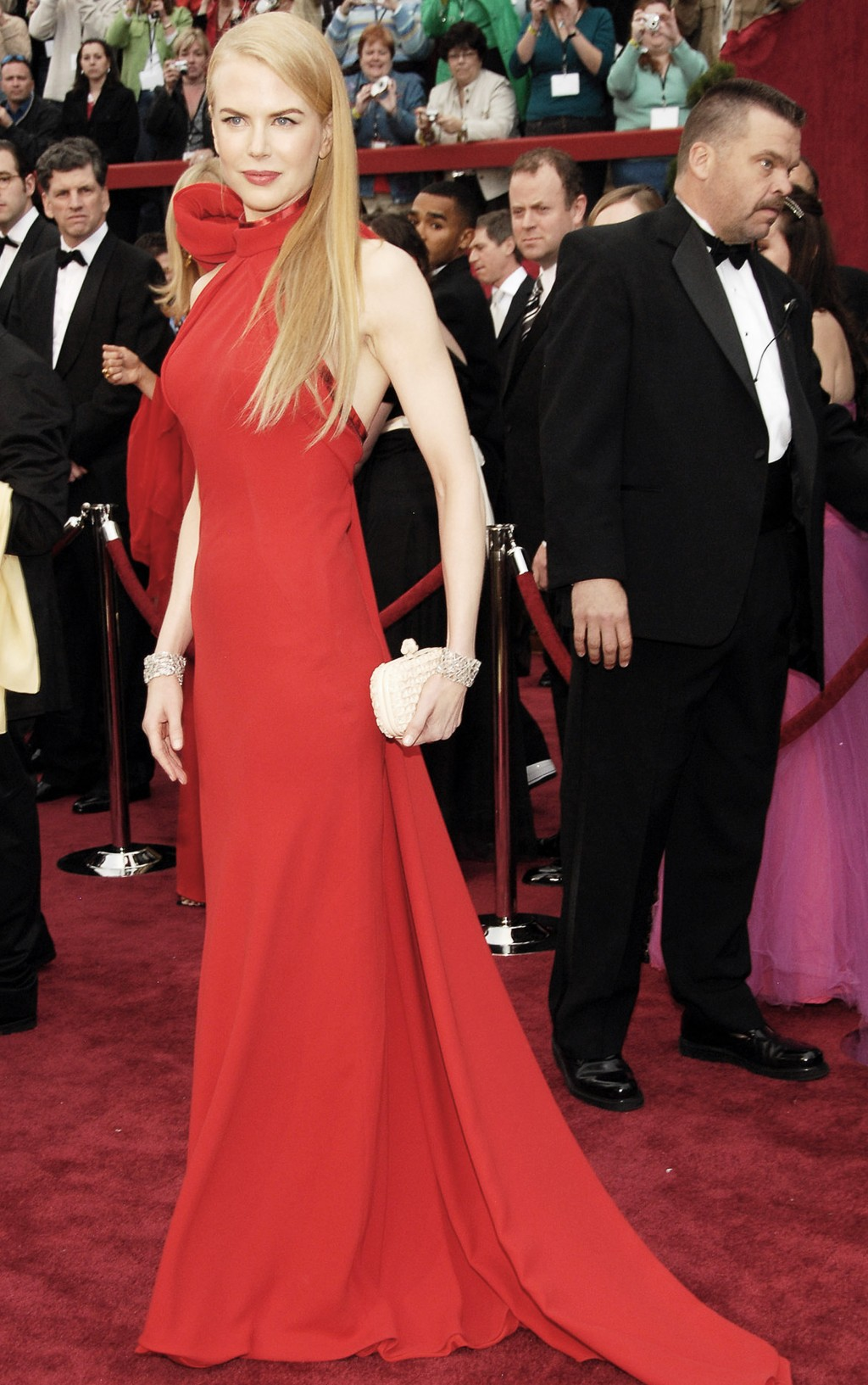 Nữ diễn viên Nicole Kidman xuất hiện tại thảm đỏ lễ trao giải Oscar 2007