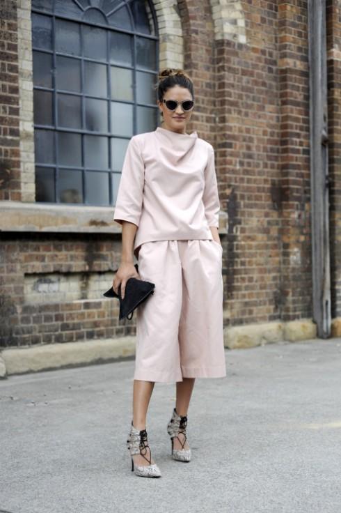 6 Cách mặc đẹp với quần lửng ống rộng elle Vietnam 06
