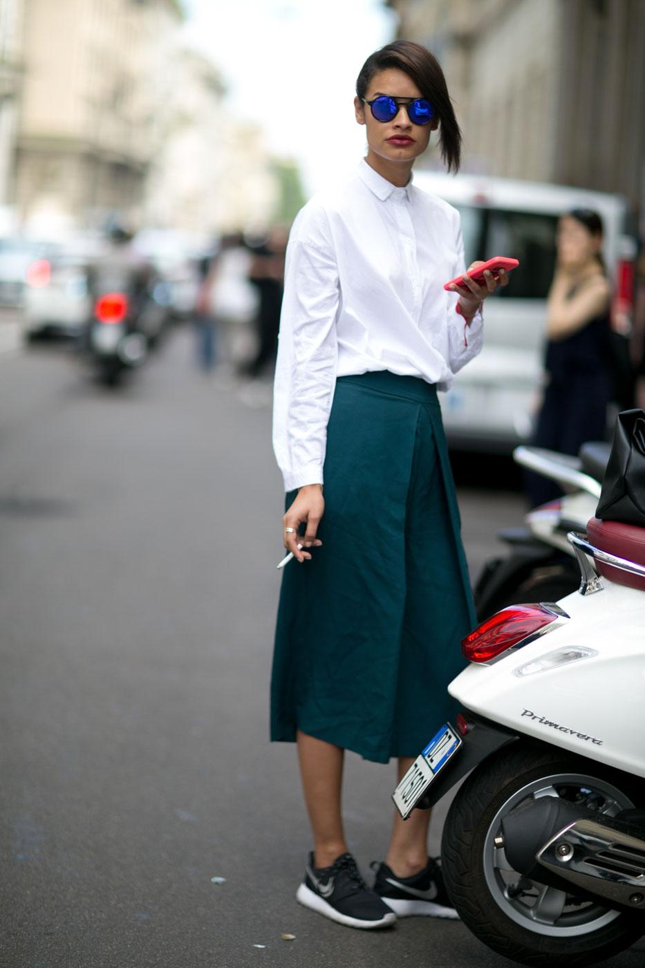 6 Cách mặc đẹp với quần lửng ống rộng elle Vietnam 13