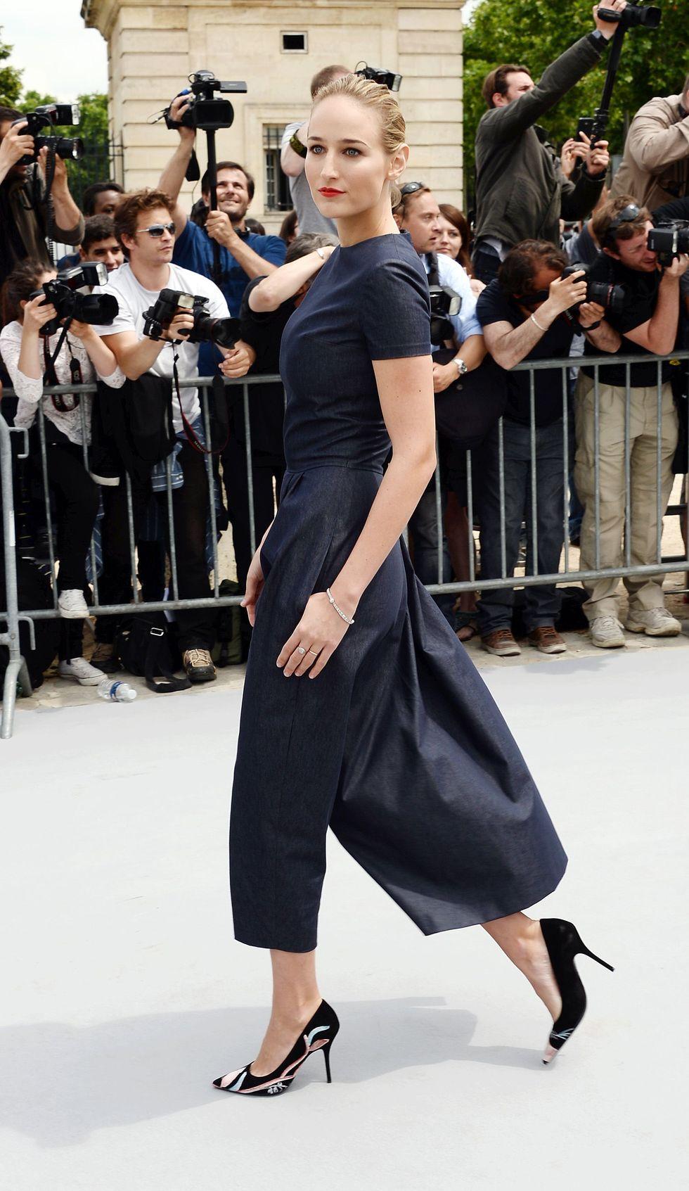 6 Cách mặc đẹp với quần lửng ống rộng elle Vietnam 14
