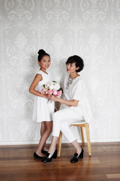 Bé Đình Đình và mẹ