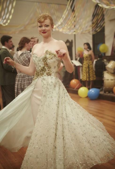 Thời trang trong phim: The Dressmaker (Thợ may báo thù)_ellevietnam11