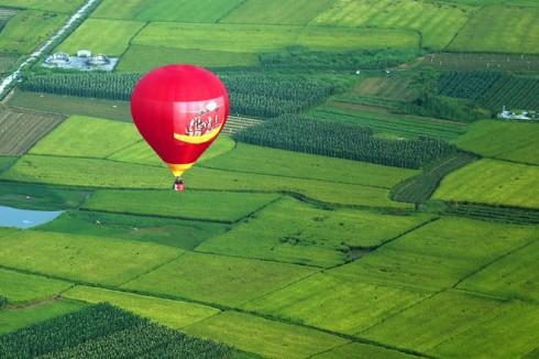 Vietjet Air dai dien viet nam tham su ngay hoi khinh khi cau quoc te 2016 – ellevietnam 02