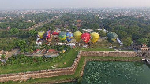Vietjet Air dai dien viet nam tham su ngay hoi khinh khi cau quoc te 2016 – ellevietnam 03