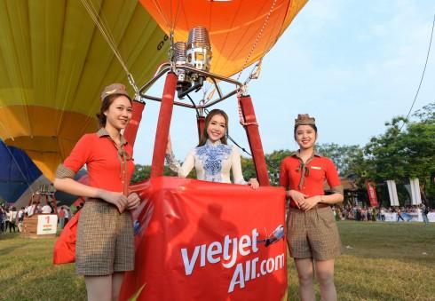 Vietjet Air dai dien viet nam tham su ngay hoi khinh khi cau quoc te 2016 – ellevietnam 07