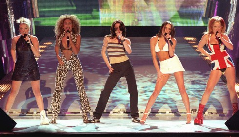 Vitoria Beckham bi buoc hat nhep suot thoi Spice Girls – ellevn -02
