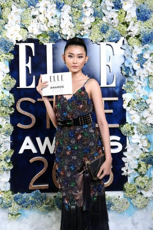 Người mẫu Kim Nhung mặc Trang phục: NTK Nguyễn Công Trí