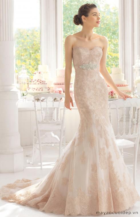 Váy cưới màu nâu mang cảm giác gợi cảm