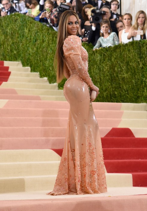 Beyonce trong trang phục Givenchy Haute Couture