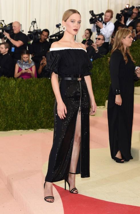 Lea Seydoux trong trang phục Louis Vuitton
